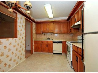 """Photo 3: # 209 33490 COTTAGE LN in Abbotsford: Central Abbotsford Condo for sale in """"Cottage Lane"""""""