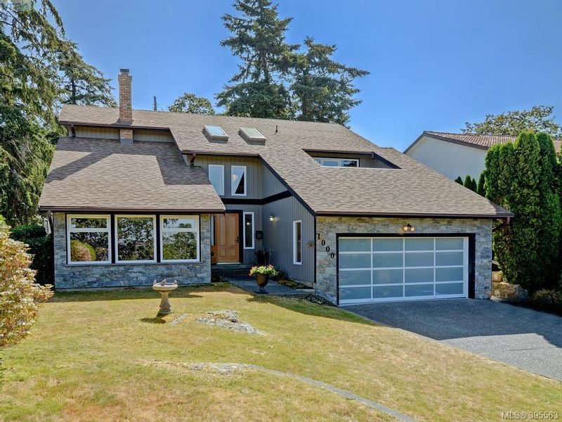FEATURED LISTING: 1000 HIGHROCK Ave VICTORIA