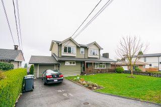 """Photo 3: 920 STEWART Avenue in Coquitlam: Maillardville House for sale in """"Upper Maillardville"""" : MLS®# R2530673"""
