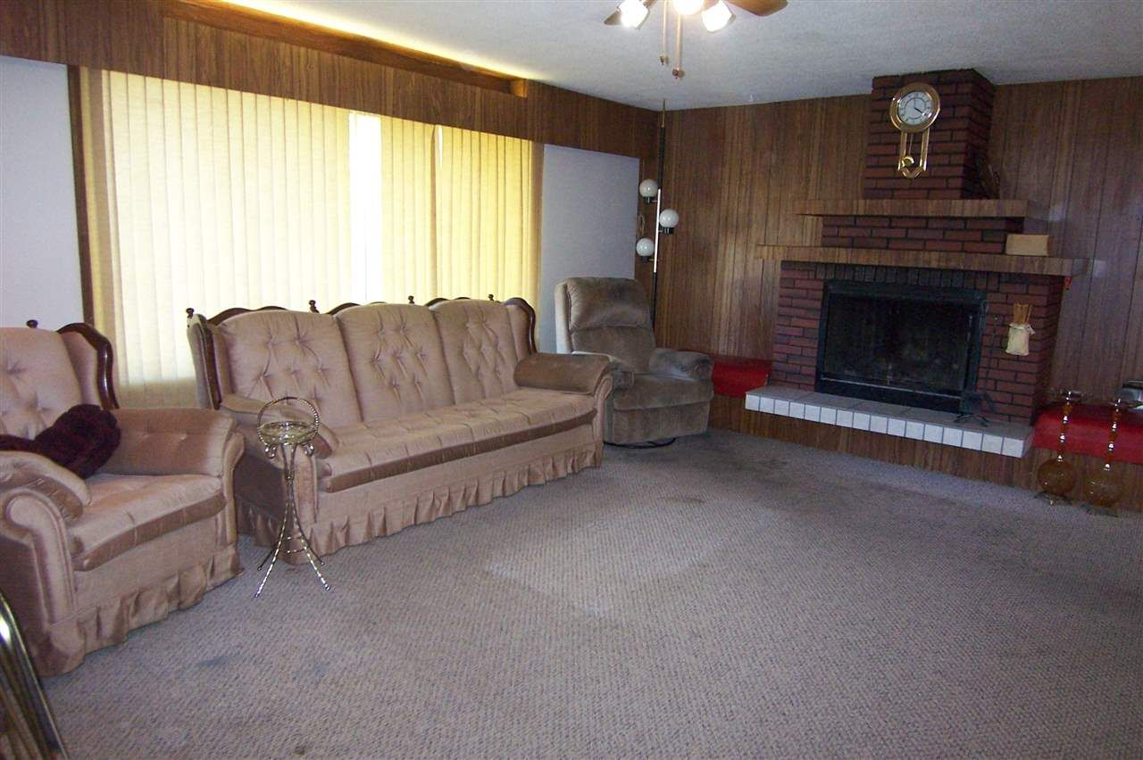 Photo 11: Photos: 8110 S 97 Highway in Quesnel: Quesnel Rural - South House for sale (Quesnel (Zone 28))  : MLS®# R2156288