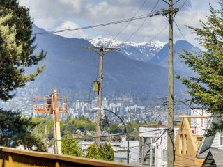 """Photo 4: 4 2223 PRINCE EDWARD Street in Vancouver: Mount Pleasant VE Condo for sale in """"Valko Gardens"""" (Vancouver East)  : MLS®# R2581429"""
