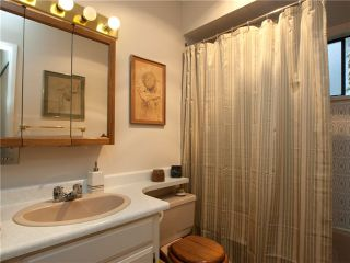 """Photo 8: 8 137 E 5TH Street in North Vancouver: Lower Lonsdale Condo for sale in """"Our House"""" : MLS®# V825636"""