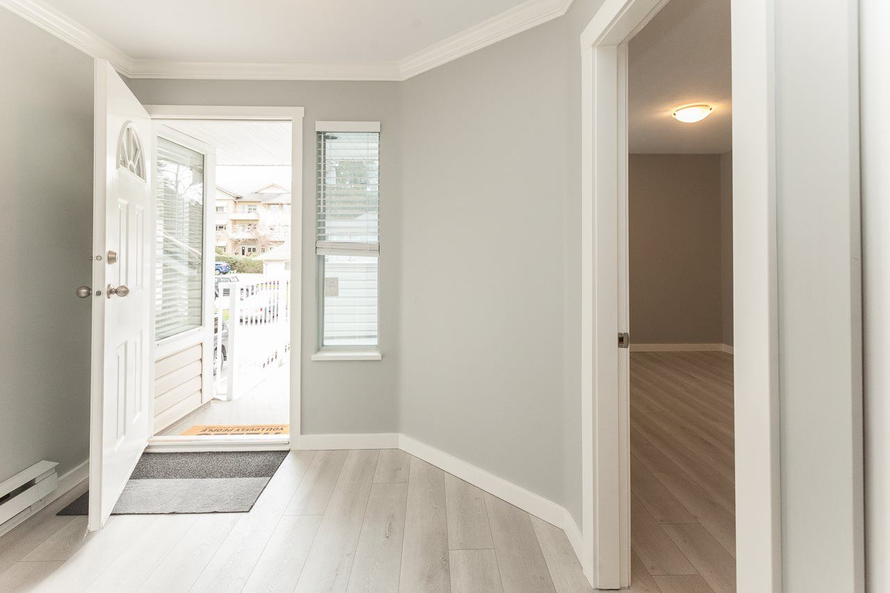 """Photo 14: Photos: 213 16031 82 Avenue in Surrey: Fleetwood Tynehead Townhouse for sale in """"SPRINGFIELD"""" : MLS®# R2450927"""