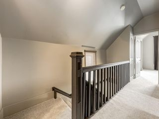 Photo 14: 212 15 Street NW in Calgary: Hillhurst Detached for sale : MLS®# C4299605