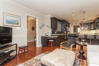 """Photo 12: 3 1620 148 Street in Surrey: Sunnyside Park Surrey Townhouse for sale in """"ENGLESEA COURT"""" (South Surrey White Rock)  : MLS®# R2429994"""