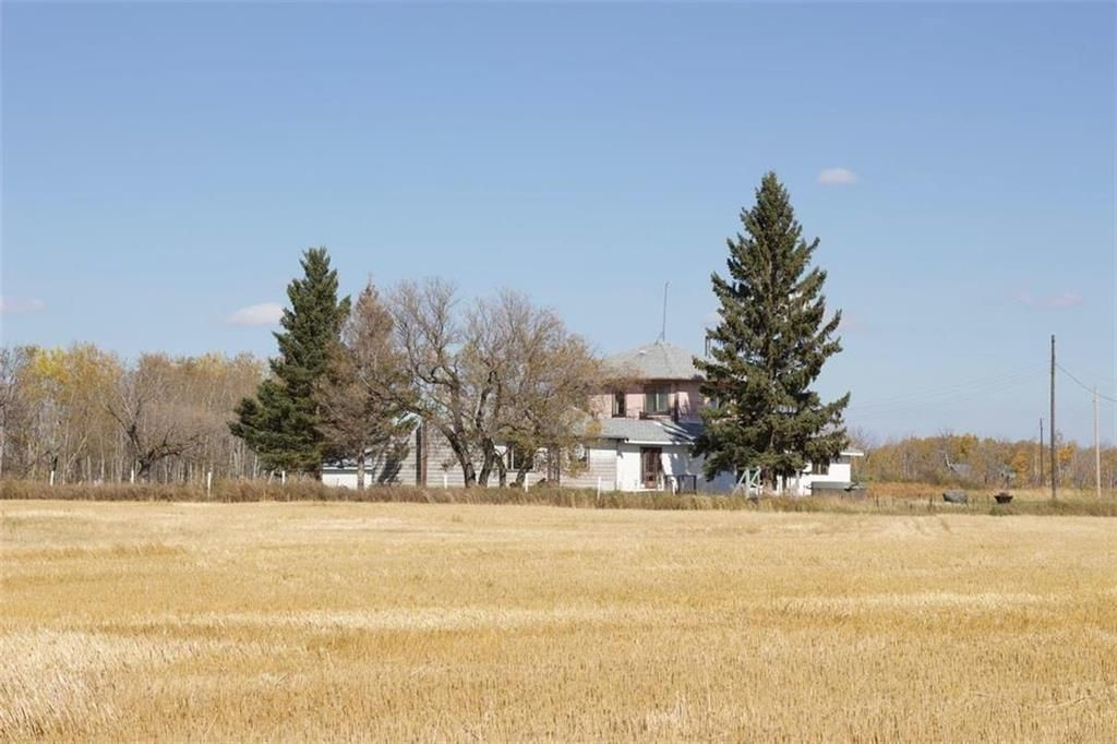Main Photo: 157138 Road 98N Road in Birtle: Farm for sale (R32 - Yellowhead)  : MLS®# 202000292