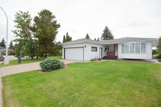Photo 3: 4111 107A Street in Edmonton: Zone 16 House for sale : MLS®# E4249921