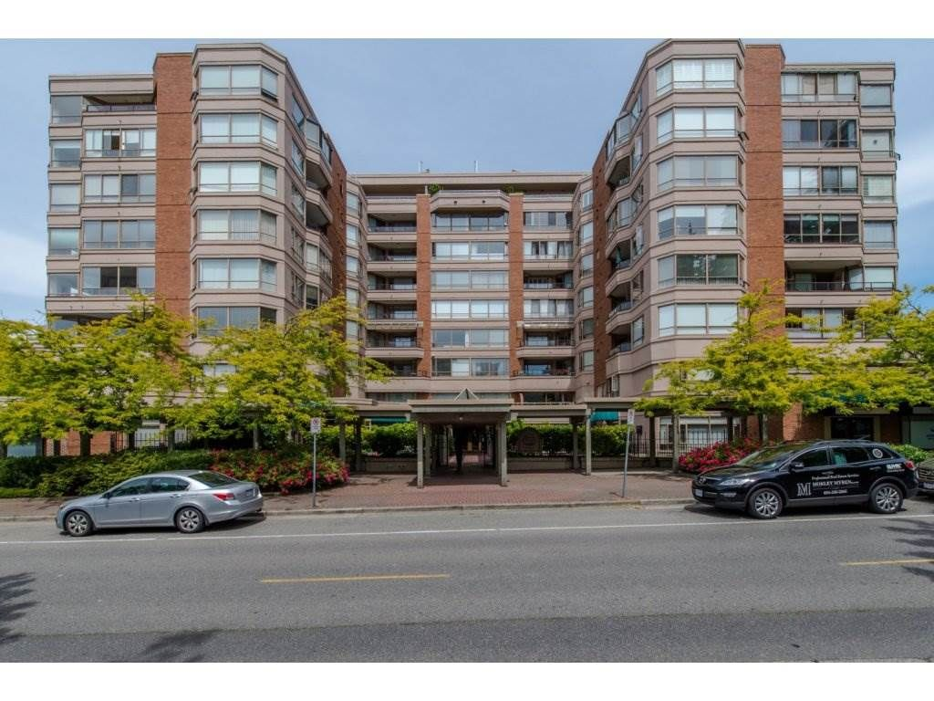 """Main Photo: 505 15111 RUSSELL Avenue: White Rock Condo for sale in """"PACIFIC TERRACE"""" (South Surrey White Rock)  : MLS®# R2155960"""