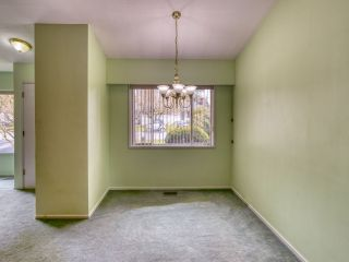 """Photo 10: 2327 CLARKE Drive in Abbotsford: Central Abbotsford House for sale in """"Historic Downtown Infill Area"""" : MLS®# R2556801"""