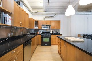 """Photo 16: 210 237 E 4TH Avenue in Vancouver: Mount Pleasant VE Condo for sale in """"ARTWORKS"""" (Vancouver East)  : MLS®# R2239279"""