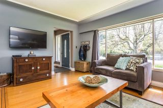 Photo 4: 22043 SELKIRK Avenue in Maple Ridge: West Central House for sale : MLS®# R2262384