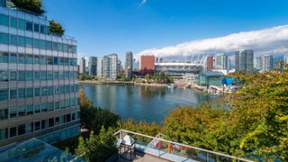 """Photo 36: 701 151 ATHLETES Way in Vancouver: False Creek Condo for sale in """"CANADA HOUSE ON THE WATER"""" (Vancouver West)  : MLS®# R2617164"""