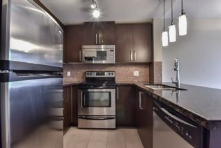 """Photo 2: 2007 888 CARNARVON Street in New Westminster: Downtown NW Condo for sale in """"Marinus at Plaza 88"""" : MLS®# R2333675"""