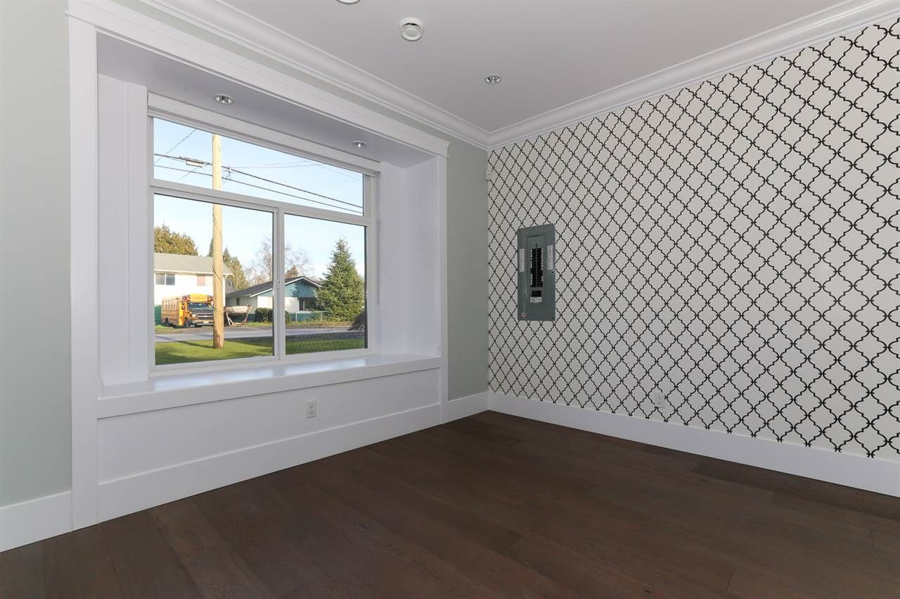 Photo 3: Photos: 5122 44 AVENUE in Delta: Ladner Elementary House for sale (Ladner)  : MLS®# R2024397