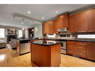 Photo 9: 2216 17A Street SW in Calgary: Bankview House for sale : MLS®# C4111759