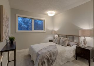 Photo 22: 563 Woodpark Crescent SW in Calgary: Woodlands Detached for sale : MLS®# A1095098