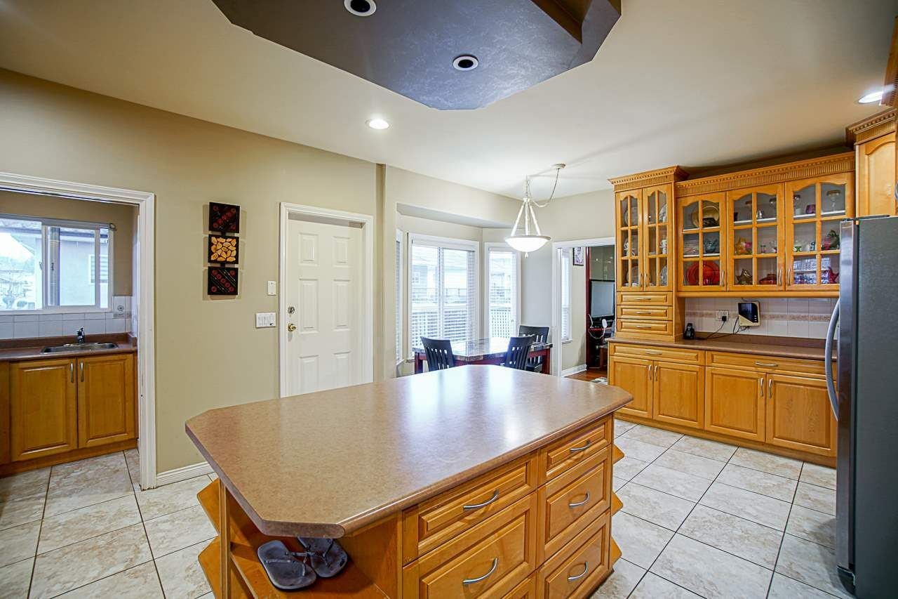 Photo 13: Photos: 8955 134B Street in Surrey: Queen Mary Park Surrey House for sale : MLS®# R2550819