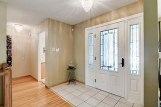 Photo 5: 439 WILDERNESS Drive SE in Calgary: Willow Park Detached for sale : MLS®# A1026738