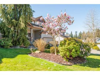 """Photo 3: 21048 86A Avenue in Langley: Walnut Grove House for sale in """"Manor Park"""" : MLS®# R2565885"""
