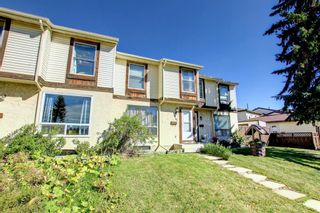 Photo 3: 76 Abergale Way NE in Calgary: Abbeydale Row/Townhouse for sale : MLS®# A1148921