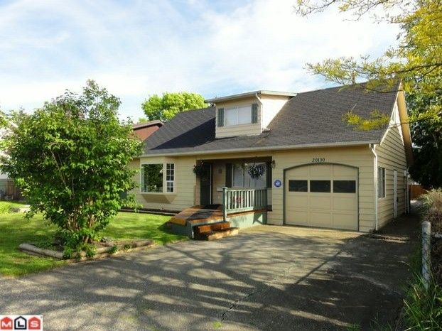 Main Photo: 20130 53RD Avenue in Langley: Langley City House for sale : MLS®# F1214038