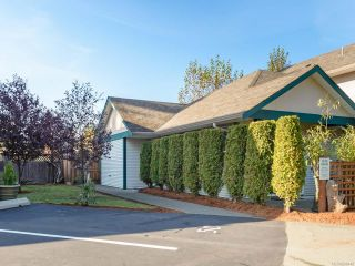 Photo 1: 5C 851 5th St in COURTENAY: CV Courtenay City Row/Townhouse for sale (Comox Valley)  : MLS®# 800448