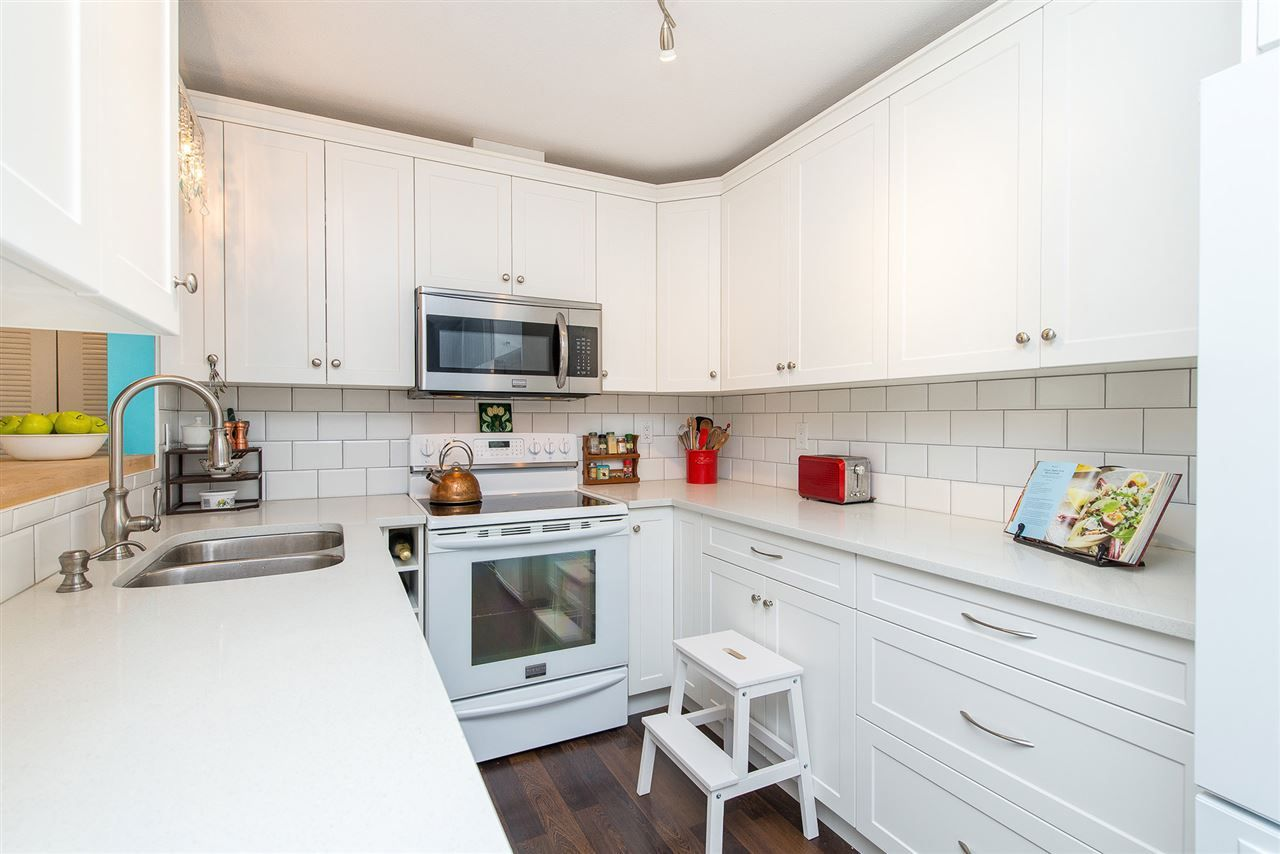 Main Photo: 50 45640 STOREY Avenue in Sardis: Sardis West Vedder Rd Townhouse for sale : MLS®# R2377820