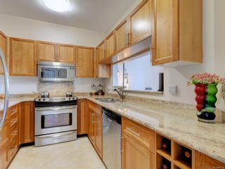 Photo 8: 518 50 Songhees Rd in : VW Songhees Condo for sale (Victoria West)  : MLS®# 885123