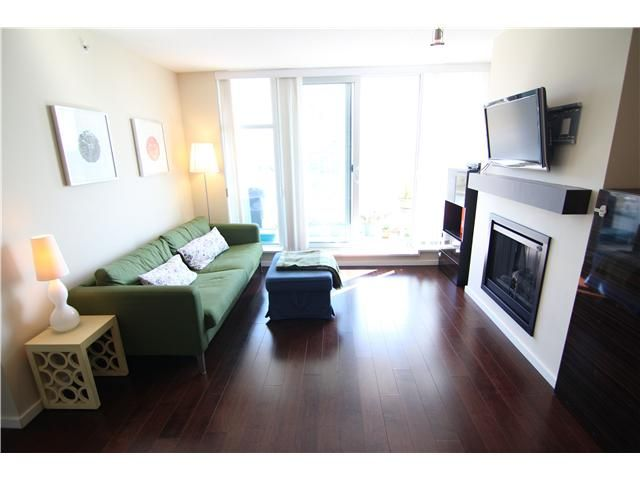 """Main Photo: 2203 2289 YUKON Crescent in Burnaby: Brentwood Park Condo for sale in """"WATERCOLOURS"""" (Burnaby North)  : MLS®# V1058261"""