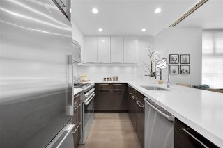 """Photo 4: 104 928 RICHARDS Street in Vancouver: Yaletown Townhouse for sale in """"The SAVOY"""" (Vancouver West)  : MLS®# R2459800"""