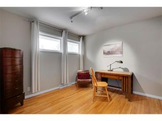 Photo 13: 4032 GROVE HILL Road SW in Calgary: Glendale House for sale : MLS®# C4088063