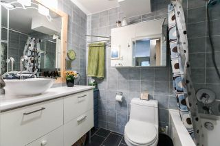 """Photo 11: 202 1515 E 5TH Avenue in Vancouver: Grandview VE Condo for sale in """"WOODLAND PLACE"""" (Vancouver East)  : MLS®# R2065383"""