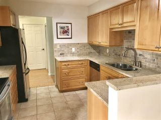 """Photo 12: 103 15317 THRIFT Avenue: White Rock Condo for sale in """"The Nottingham"""" (South Surrey White Rock)  : MLS®# R2336892"""