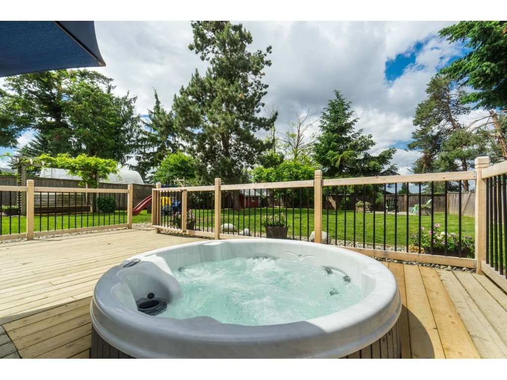 """Photo 35: Photos: 2669 VALEMONT Crescent in Abbotsford: Abbotsford West House for sale in """"West Clearbrook"""" : MLS®# R2460646"""