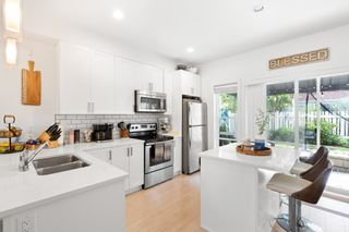 """Photo 2: 702 32789 BURTON Avenue in Mission: Mission BC Townhouse for sale in """"SILVERCREEK TOWNHOMES"""" : MLS®# R2618038"""