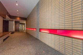 "Photo 17: 801 33 W PENDER Street in Vancouver: Downtown VW Condo for sale in ""33 Living"" (Vancouver West)  : MLS®# R2373850"