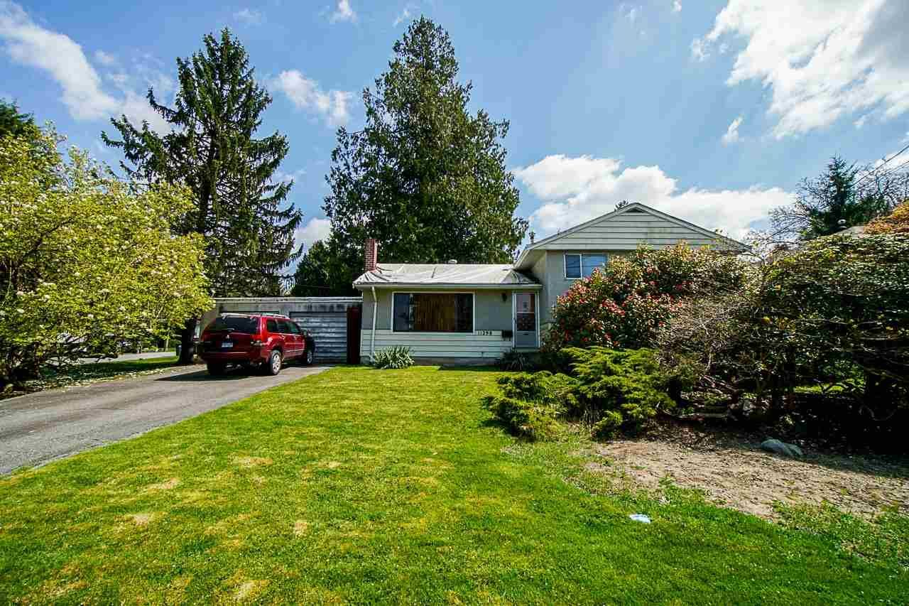 Main Photo: 11298 LANSDOWNE Drive in Surrey: Bolivar Heights House for sale (North Surrey)  : MLS®# R2589267