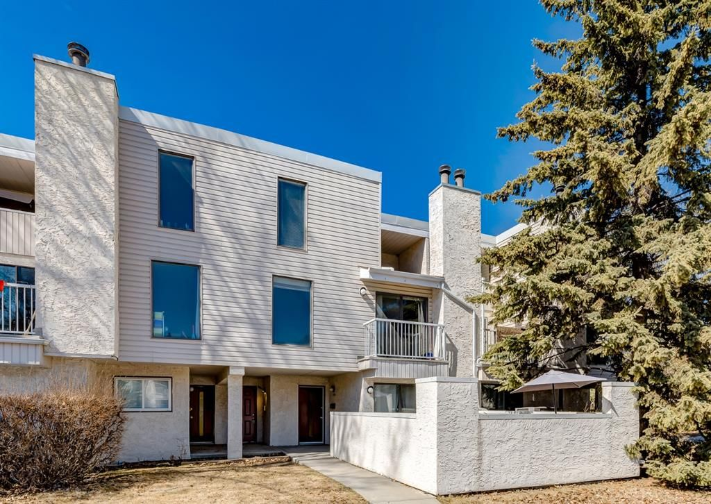 Main Photo: 1504 3500 Varsity Drive NW in Calgary: Varsity Row/Townhouse for sale : MLS®# A1094151