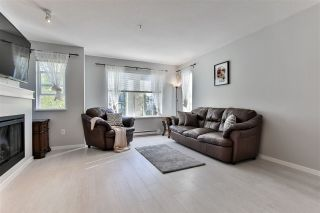 """Photo 3: 156 20875 80 Avenue in Langley: Willoughby Heights Townhouse for sale in """"Pepperwood"""" : MLS®# R2493319"""