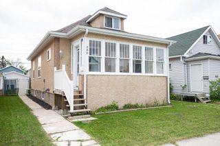 Photo 1: 386 Tweed Avenue in Winnipeg: Elmwood Residential for sale (3A)  : MLS®# 202013437
