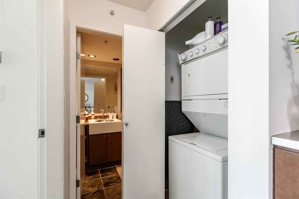 """Photo 11: Photos: 1105 1438 RICHARDS Street in Vancouver: Yaletown Condo for sale in """"AZURA 1"""" (Vancouver West)  : MLS®# R2109141"""