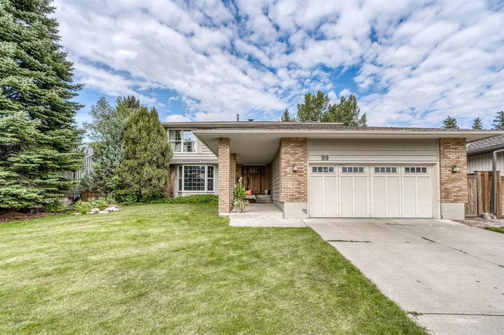 Located on one of the best family friendly streets in all of Midnapore directly across from the lake front homes. West facing with greenspace/ walking path behind