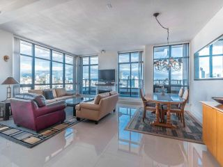"""Photo 11: 2101 1 RENAISSANCE Square in New Westminster: Quay Condo for sale in """"The Q"""" : MLS®# R2557732"""