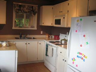 Photo 3: 2745 Vickers Trail in Anglemont: House for sale : MLS®# 10072926