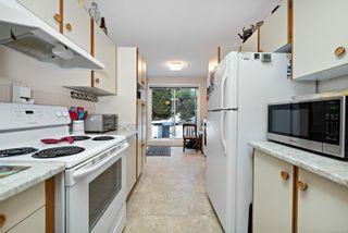 Photo 7: 101 2250 Manor Pl in : CV Comox (Town of) Condo for sale (Comox Valley)  : MLS®# 866765