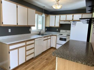 """Photo 4: 7961 ROSEWOOD Place in Prince George: Parkridge House for sale in """"PARKRIDGE"""" (PG City South (Zone 74))  : MLS®# R2448828"""