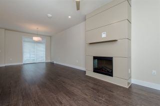 """Photo 8: 17 1968 N PARALLEL Road in Abbotsford: Abbotsford East Townhouse for sale in """"Parallel North"""" : MLS®# R2173432"""