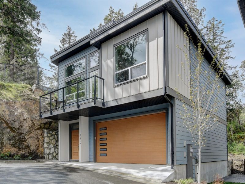 FEATURED LISTING: 2226 Echo Valley Rise