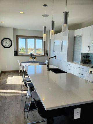 Photo 8: 35 Yorkvalley Way in Winnipeg: South Pointe Residential for sale (1R)  : MLS®# 202123698