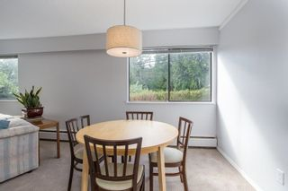 """Photo 8: 101 1330 MARTIN Street: White Rock Condo for sale in """"Coach House"""" (South Surrey White Rock)  : MLS®# R2307057"""